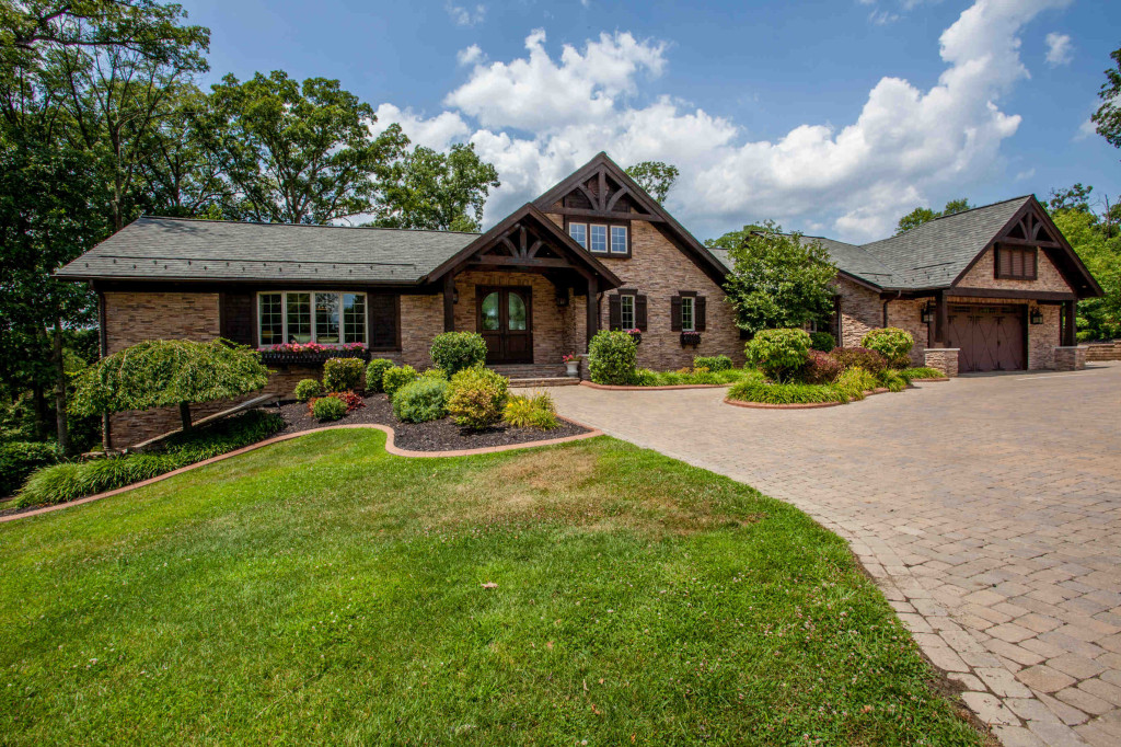 9 Woodview Dr.